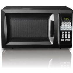 Hamilton Beach 0.7 cu ft Microwave Oven , features Child-safe lockout, 10 power levels (Black)